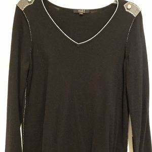 Alex Marie Black V Neck Sweater Sz M EUC